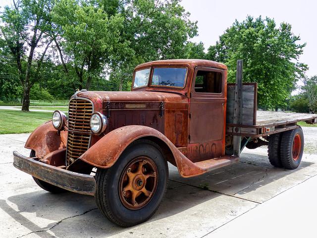 Tim's 1934 Diamond T 211 Flatbed Truck