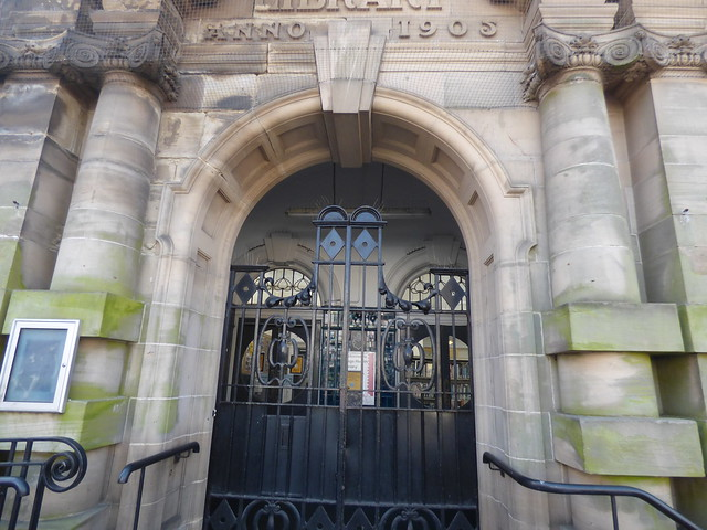 Kings Heath Library - closed gates