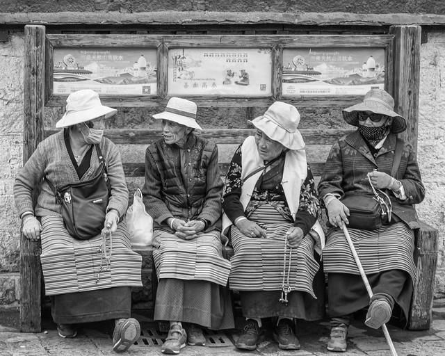 Tibetan Pilgrims @ Jokhang Temple, Lhasa, Tibet - DSC04488