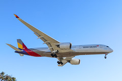 Asiana A350-900 arriving from Seoul