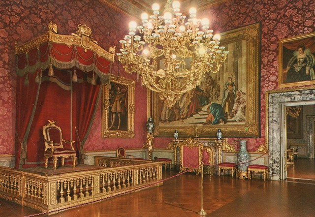 Italy - Florence (The Pitti palace - The Hall of the throne)