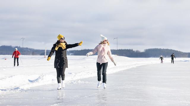 Skaters in Kuopio harbour