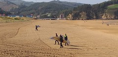Playa la arena en este inicio del mes de marzo con cielo despejado y buena temperatura con poco oleaje