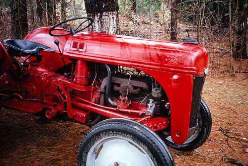 Red Ford Tractor (1)