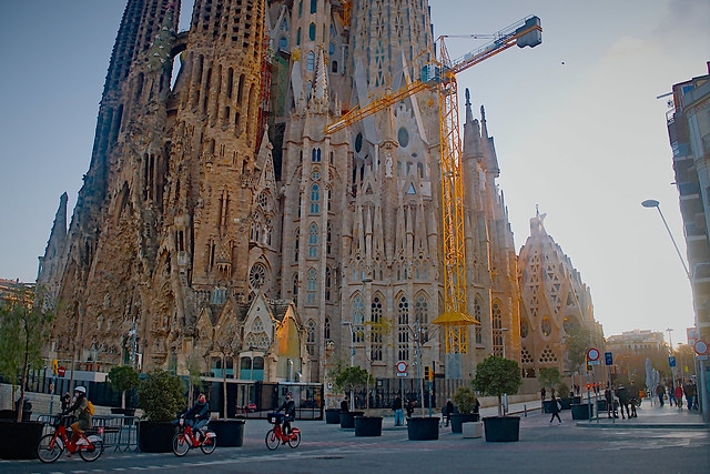 Around la Sagrada Familia
