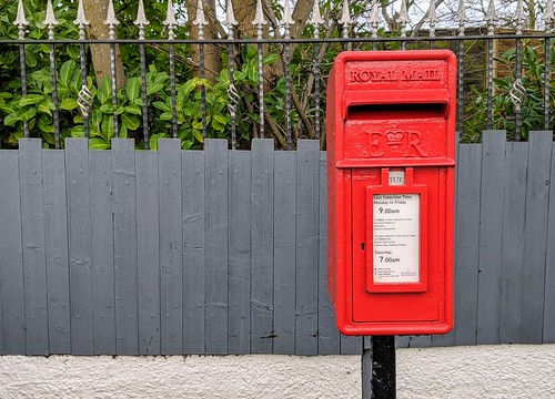 Small red post box | by Tony Worrall