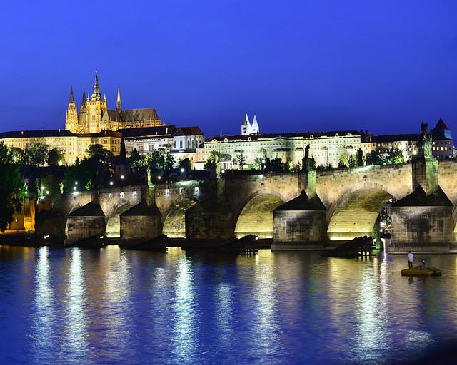 Praga en hora mágica desde la Estatua de Bedřich Smetana