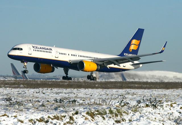 Icelandair Boeing 757-256(WL) TF-FIU