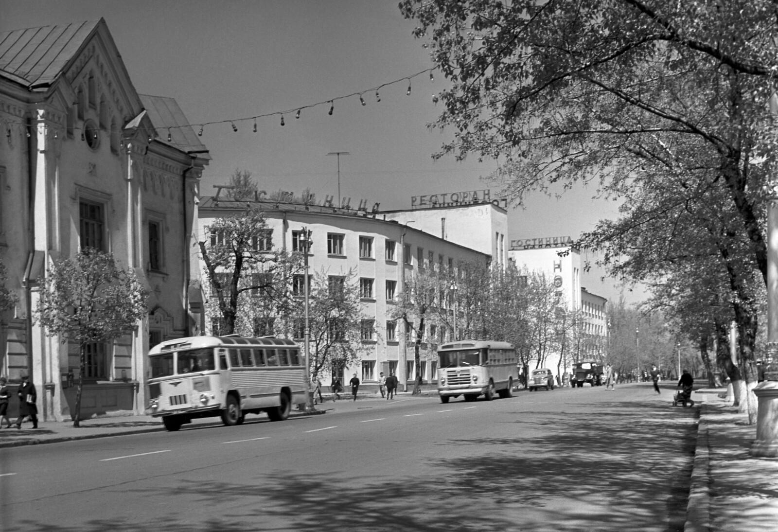 1966. Улица Ленина