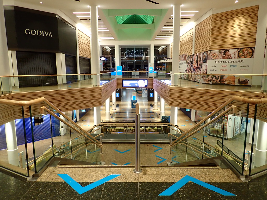 P2010013 Meadowhall Shopping Centre in Lockdown