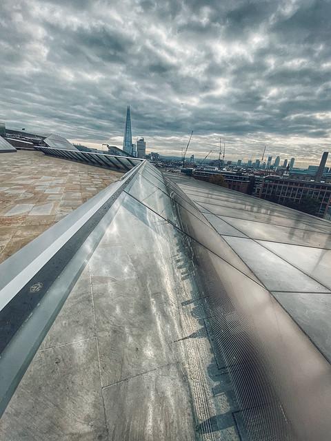 High dynamic range Shard views