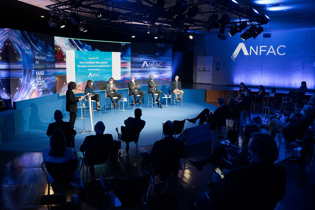 Foro ANFAC - Sesión III - Nuevos servicios 17