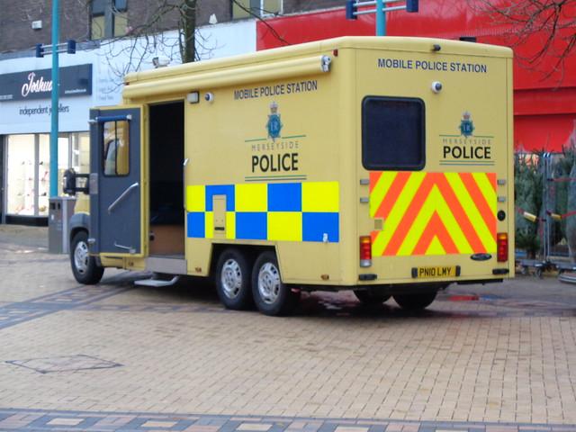 Merseyside Police Peugeot Boxer (PN10 LMY)