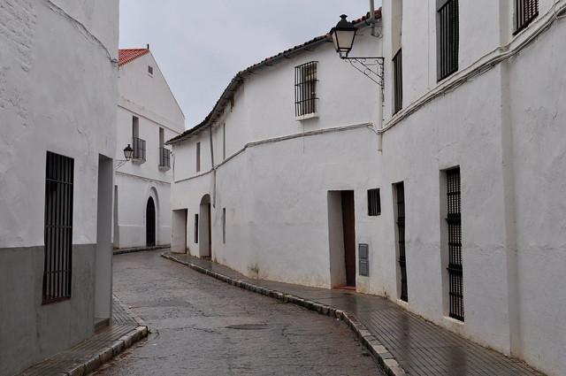 Solitude d'un 31 décembre pluvieux, travesia de las Hermanitas, Llerena, province de Badajoz, Estrémadure, Espagne.