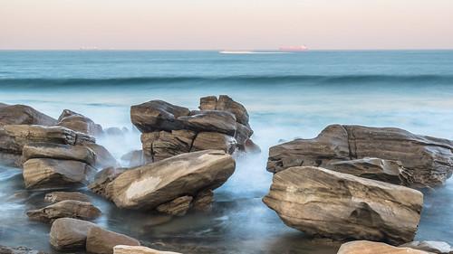 outdoor southafrica africa durban evening indianocean kwazulunatal longexposure ocean rocks sea ship twilight umhlanga waves 南非 印度洋 夸祖鲁纳塔尔省 岩石 德班 暮 暮色 海 海洋 海浪 船 长时间曝光 非洲