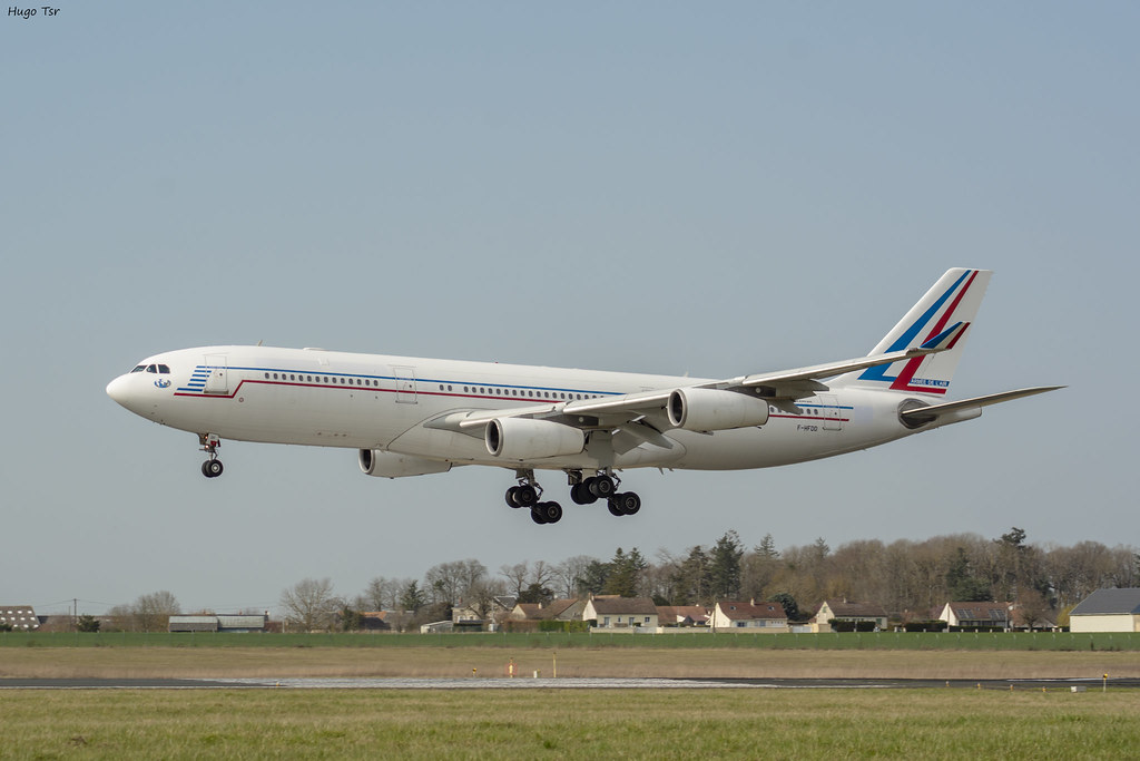 Airbus A340-212 [F-HFDD] Private