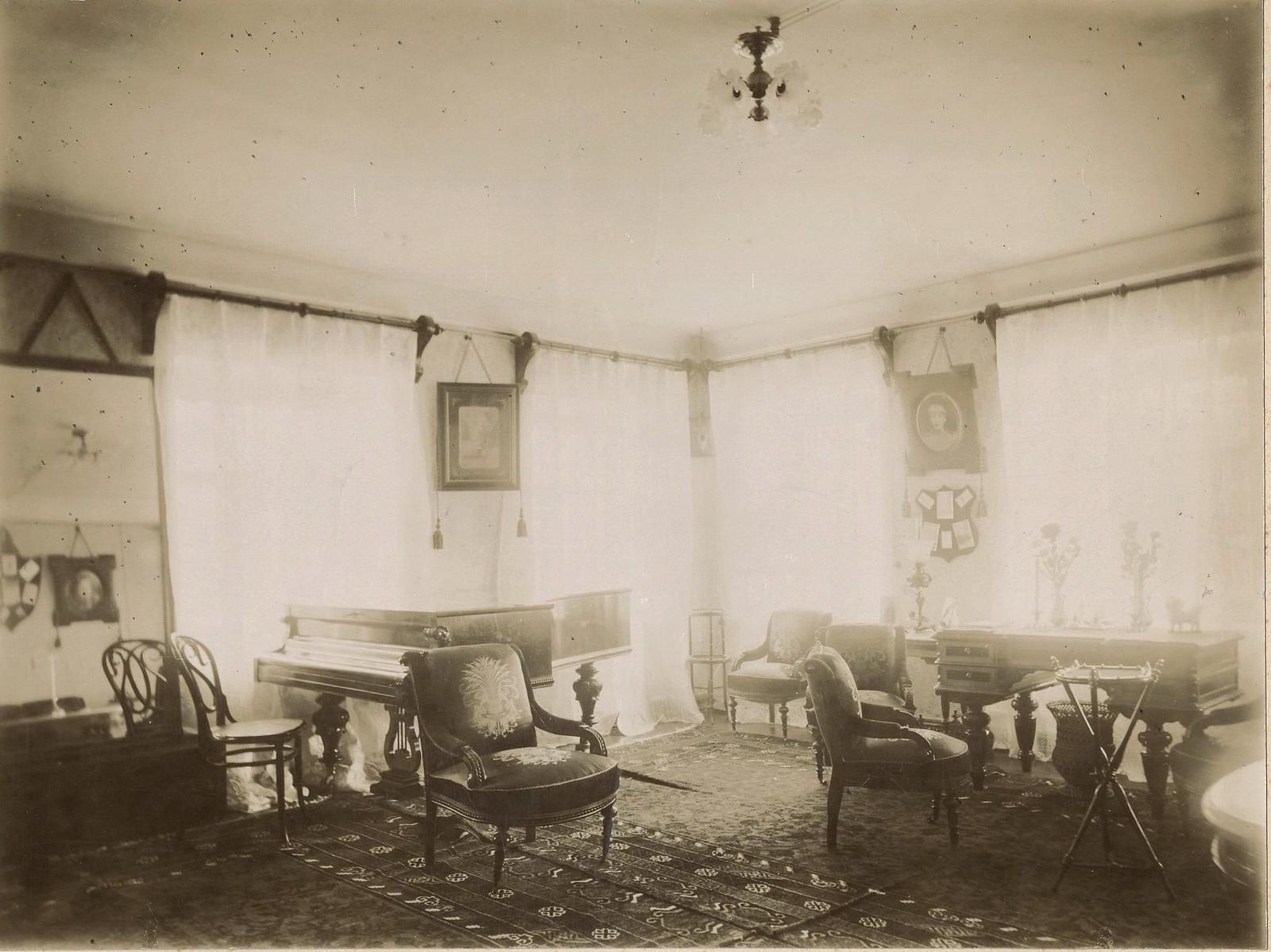 Дамский кабинет в городском доме купцов Малышевых