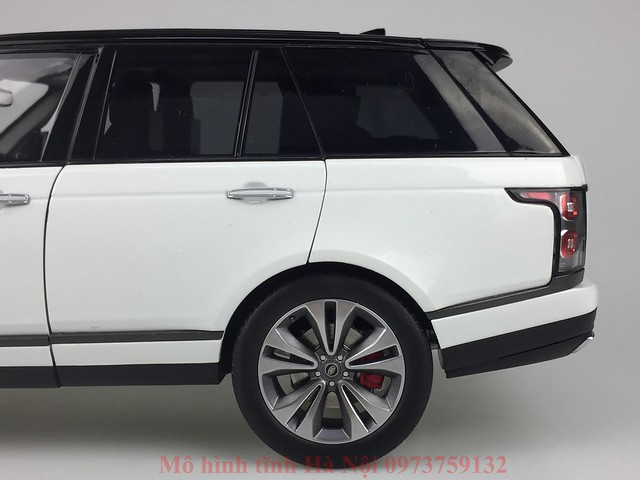 LCD 1 18 Range Rover SV facelift mo hinh o to xe hoi (6)