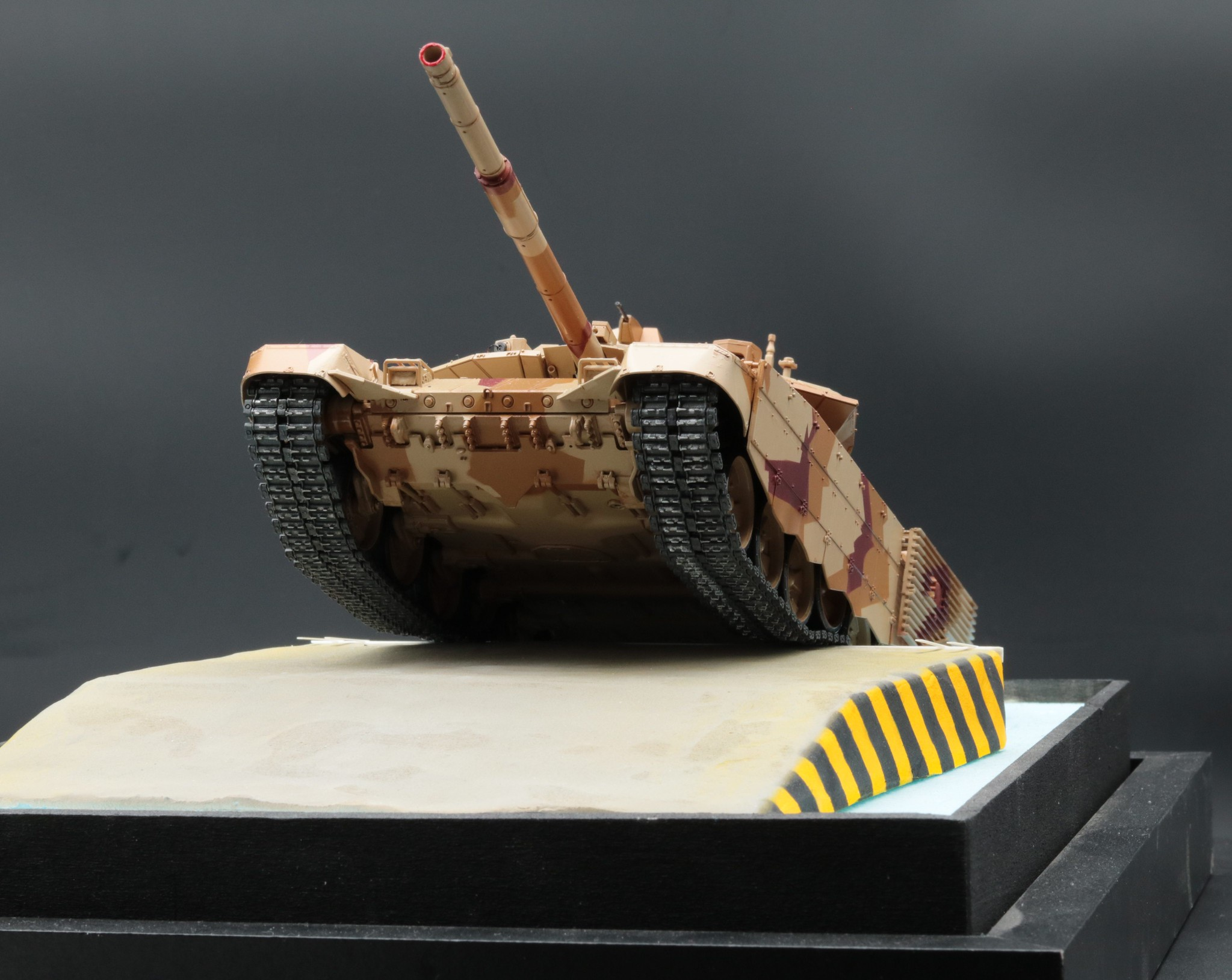 T-90 MS en place sur la plaquette