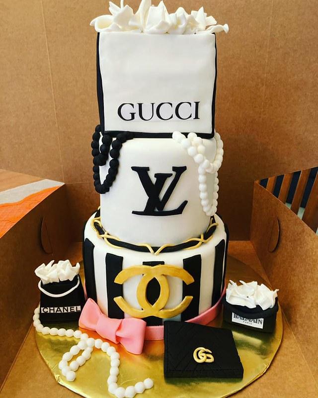 Cake by Karo's Cakery