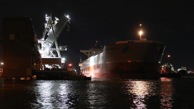 NIGHT SHIP.   BULK CARRIER 'CORONA ZENITH' BERTHING D4 WHARF - PORT OF NEWCASTLE 28th Mar 2021.