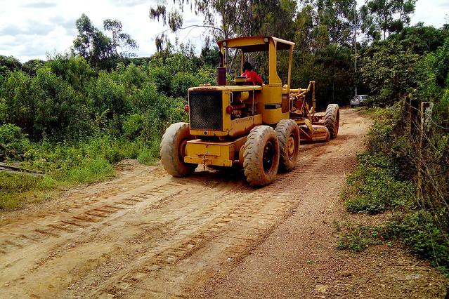 Manutenção em 16 km de estradas de terra no Paranoá