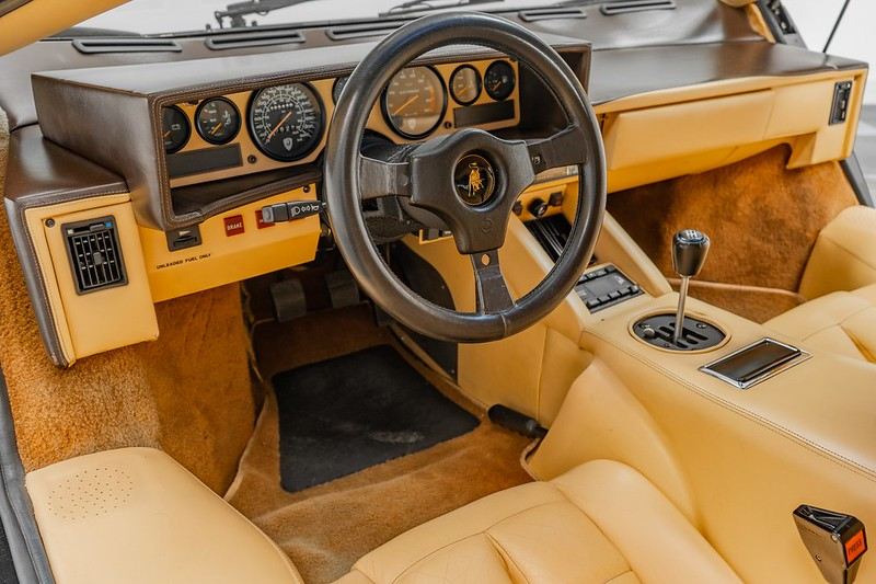 Lamborghini-Countach (10)