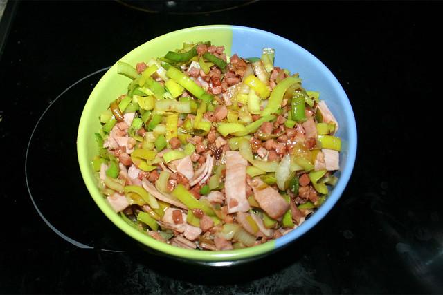 23 - Put bacon, leek & ham aside / Speck, Lauch & Schinken bei Seite stellen