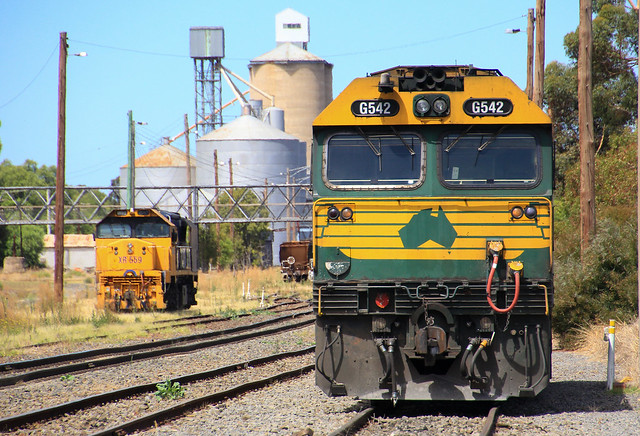 G542 and XR559 are stabled in Dimboola yard waiting for their next job