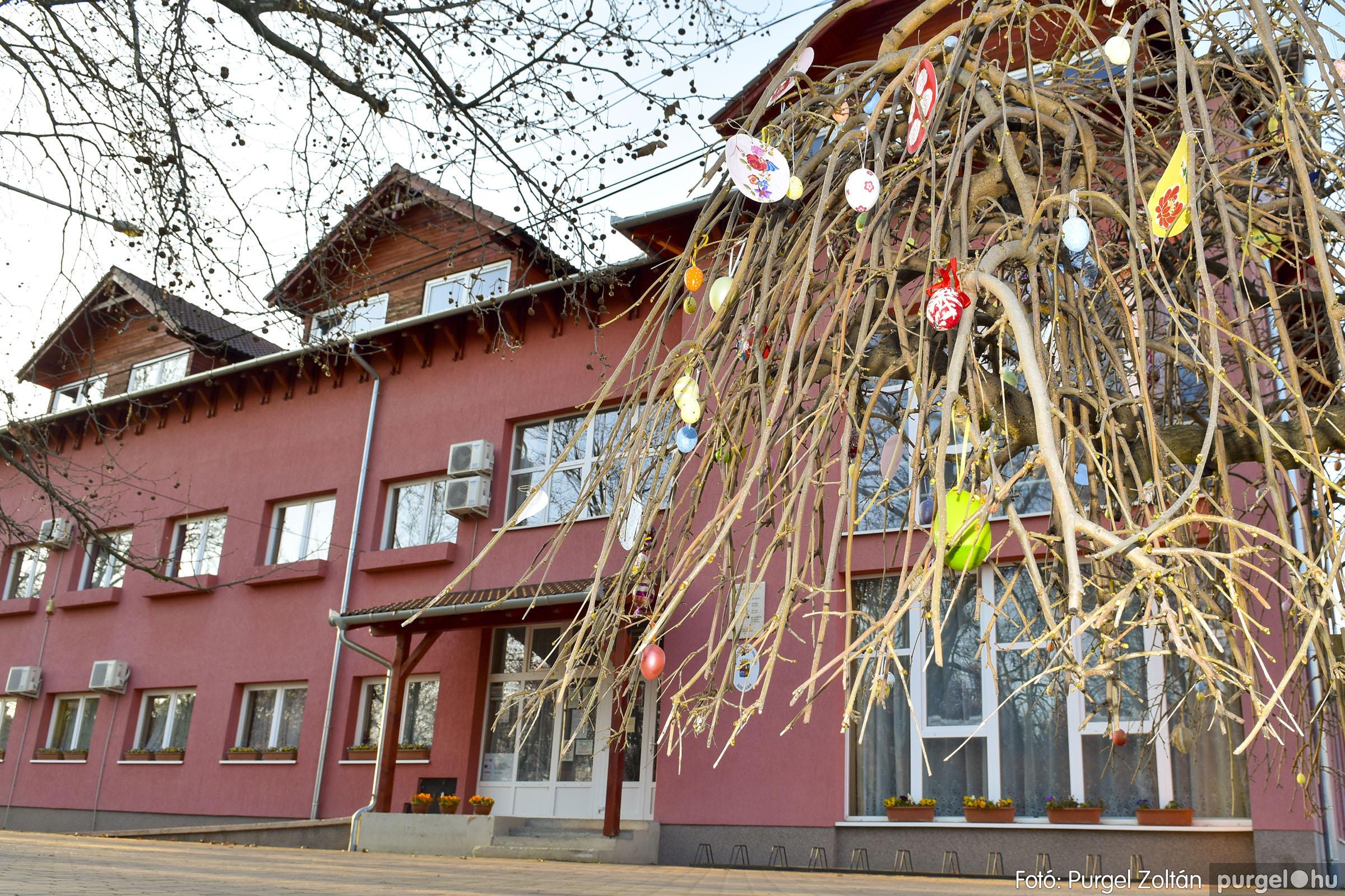 2021.03.31. 012 Szabadság téri tojásfák - Fotó:PURGEL ZOLTÁN© _DSC3991q.jpg