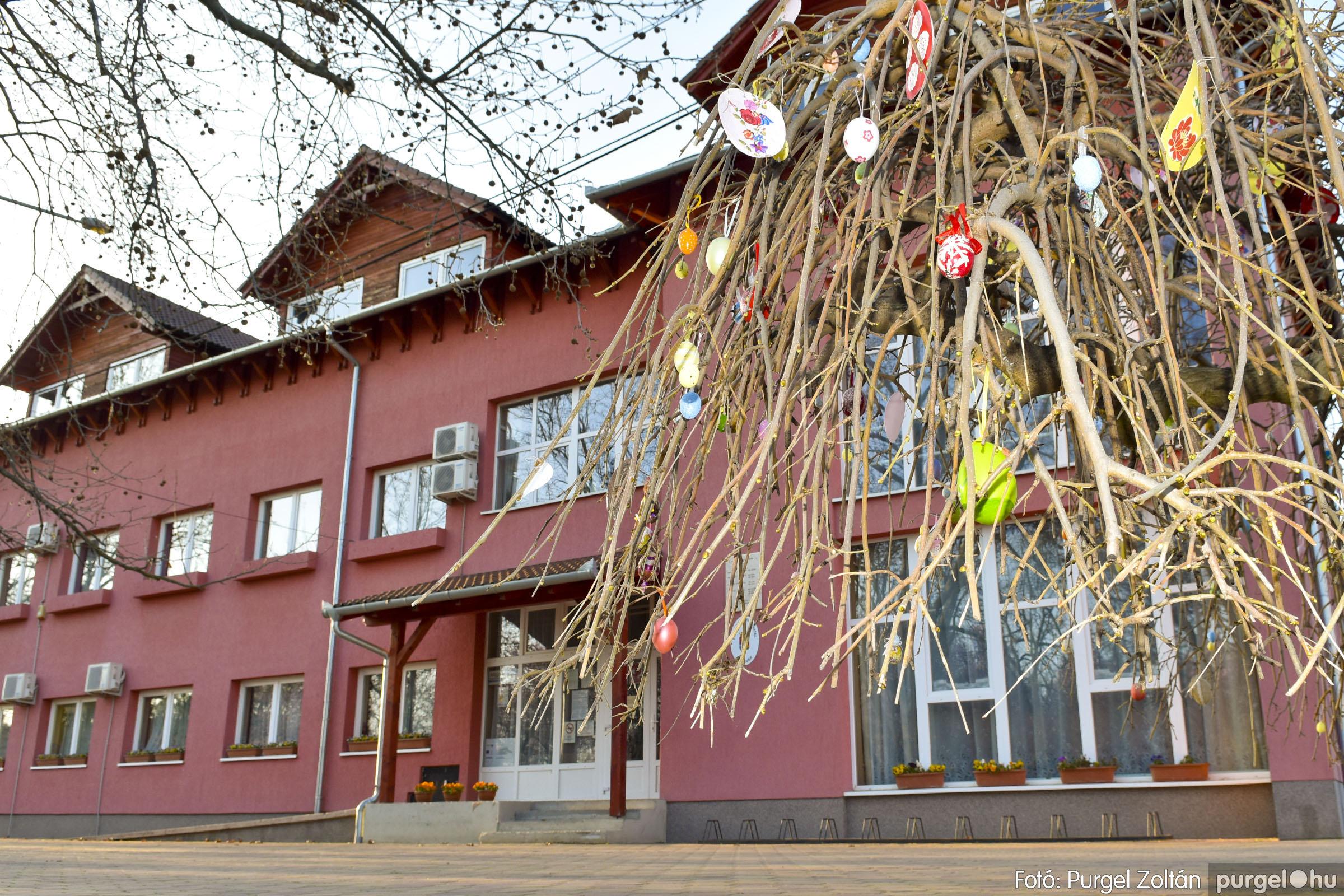 2021.03.31. 010 Szabadság téri tojásfák - Fotó:PURGEL ZOLTÁN© _DSC3989q.jpg