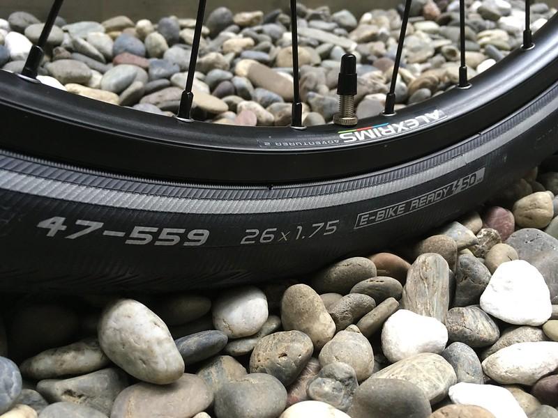 SURLY Disc Trucker BK Honjo Tire