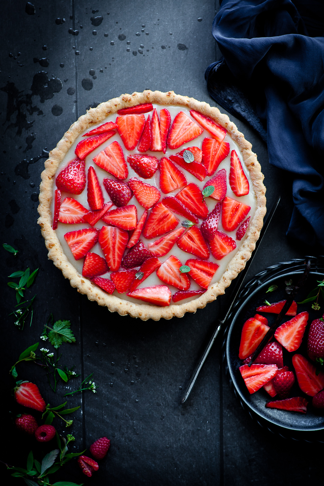 strawberry vanilla custard tart (vegan)