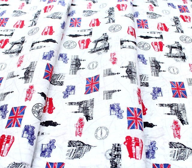 Robert Kaufman Fabrics Next Stop, London SB-850262D3-1 London Icons White