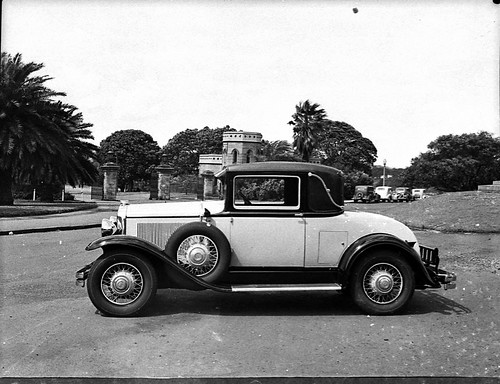 1929-30 Buick coupe outside Government House, Sydney, Australia, November 1938, Sam Hood | by State Library of New South Wales collection