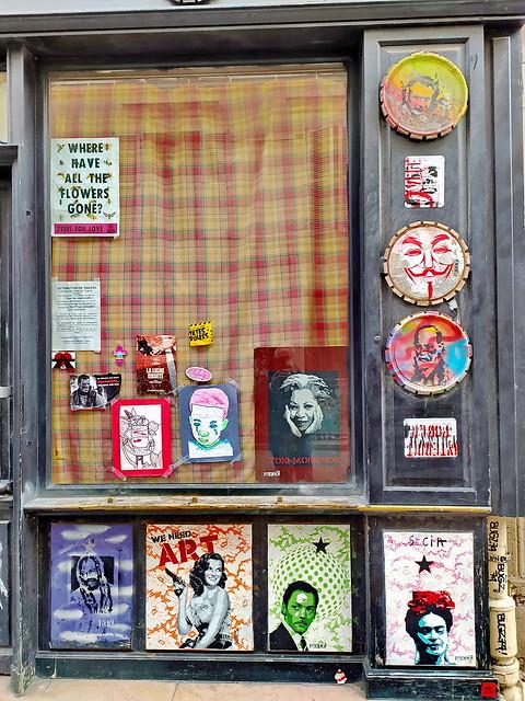 203 - Paris en Février 2021 -  Streetart rue Denoyez