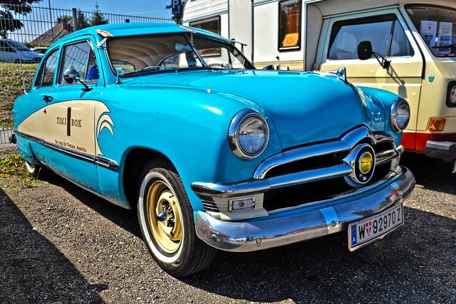 Ford Custom Tudor Sedan 1950 (0999)