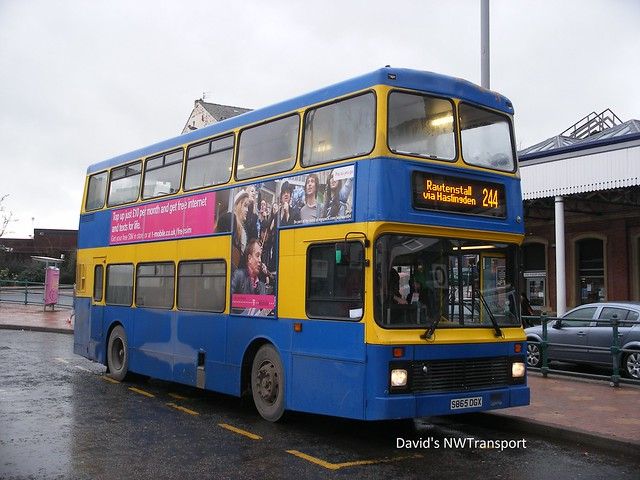 Rossendale Transport, 025 [S865DGX] - Blackburn (29/12/09)