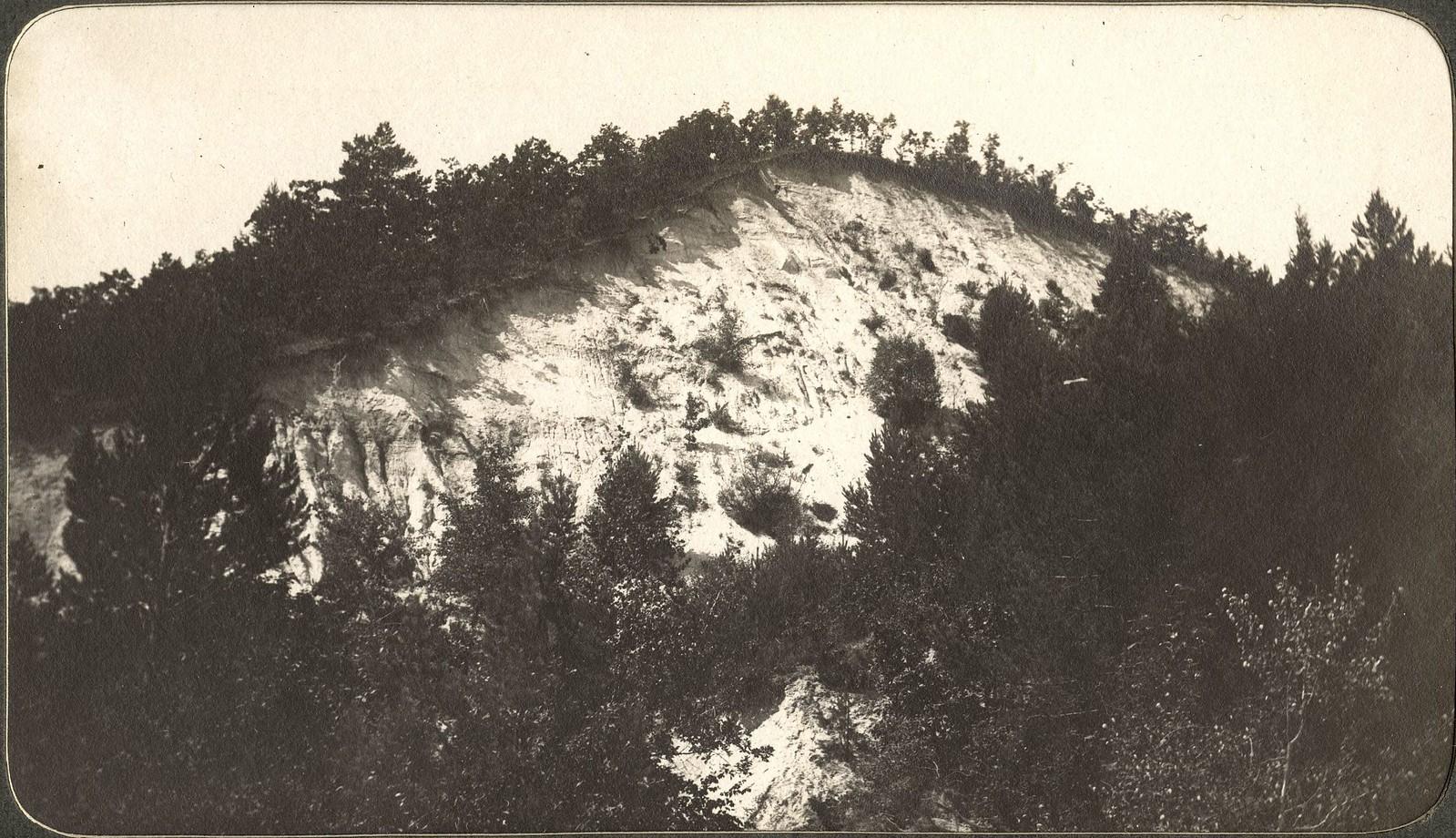 Белые горы на правом берегу реки Зеи вблизи Благовещенска