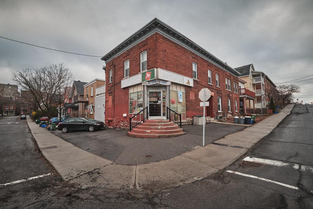 84/365 : The Corner Store
