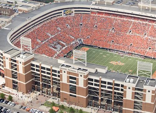 boone_pickens_stadium_banner