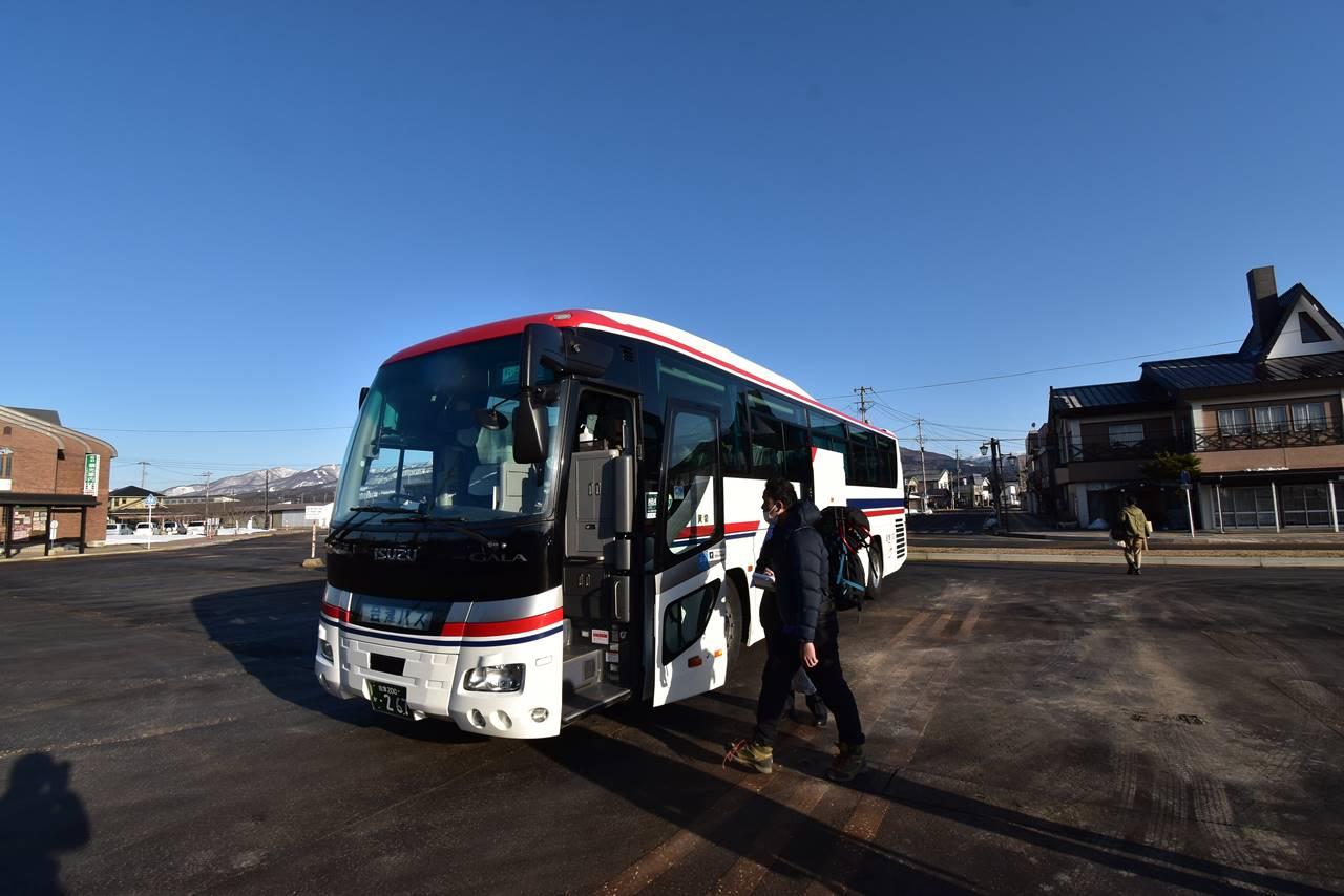 猪苗代駅からグランデコスキー場までのシャトルバス