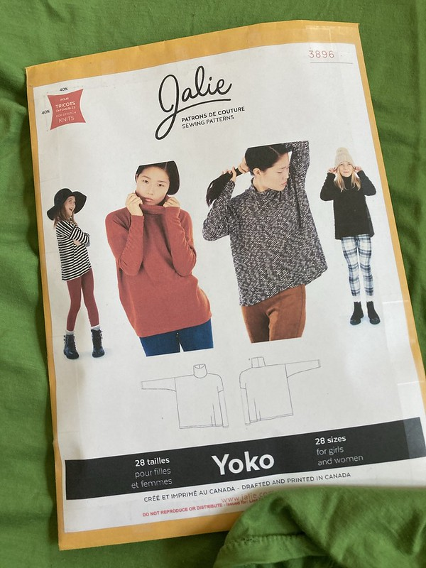 Jalie Yoko/Émilie Square Roll-Neck Tops
