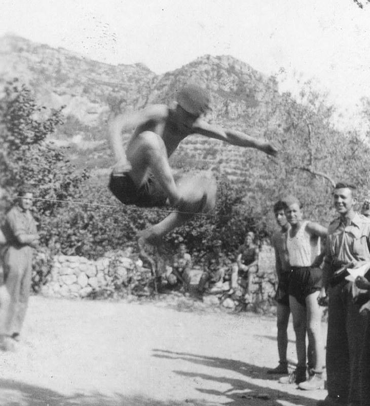 Zawody sportowe w btalionie Dąbrowskiego, 1938