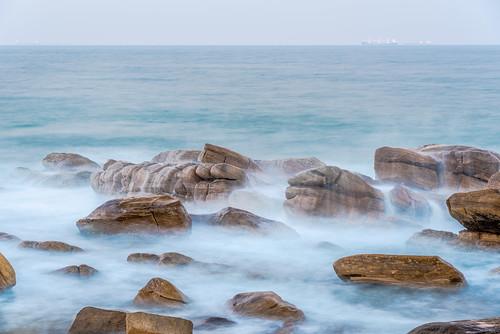 outdoor southafrica africa durban evening inaadianocean kwazulunatal longexposure ocean rocks sea ship twilight umhlanga waves 南非 印度洋 夸祖鲁纳塔尔省 岩石 德班 暮 暮色 海 海洋 海浪 船 长时间曝光 非洲