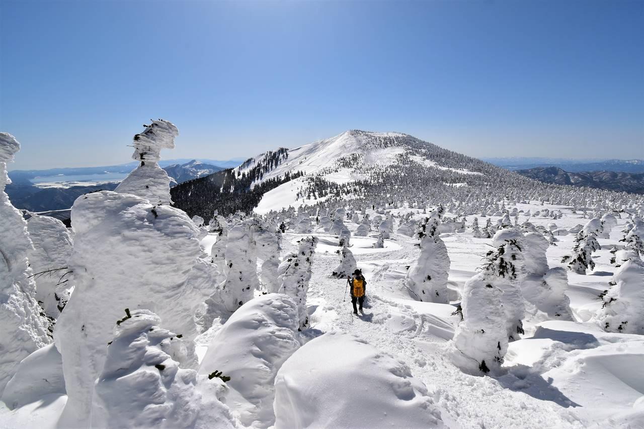 冬の西吾妻山 電車とバスで行く樹氷登山
