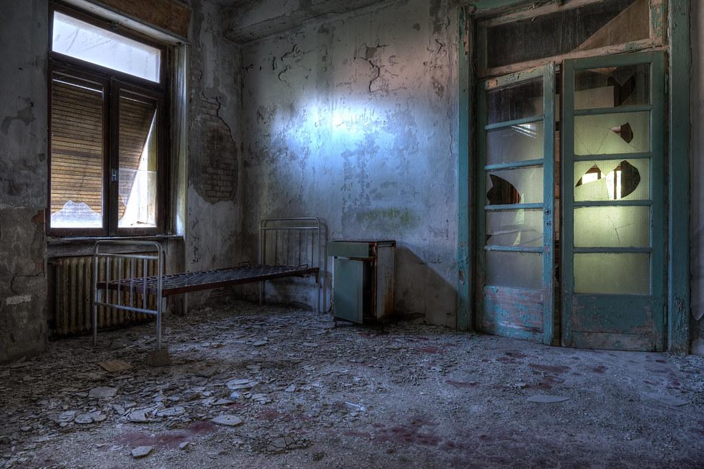 On vous trouvera de la place dans le couloir...