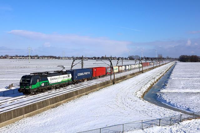 193 727  RTB  Cargo ( EGS )  met  PCC-Shuttle voorbij Giessenburg naar Rotterdam-Pernis.