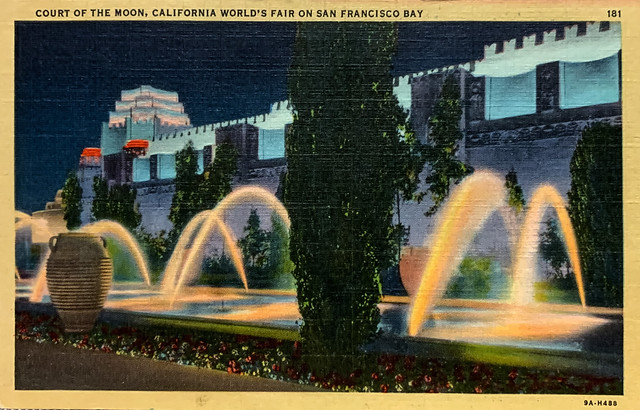 """""""Court of the Moon, California World's Fair on San Francisco Bay."""" Souvenir from the 1939 Golden Gate International Exposition.  Linen postcard 9A-H488, No.181, published by Stanley A. Piltz Co."""