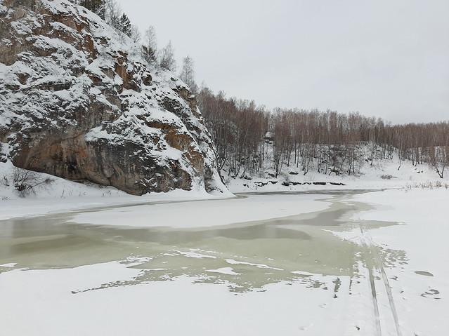 Водичка поверх льда пошла - значит весна!